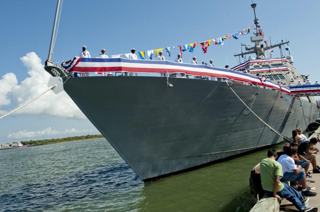 120922-N-MM874-007 USS Forth Worth